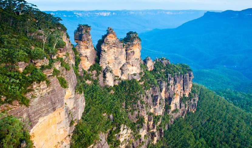 The Three Sisters as seen in the Blue Mountains Image credit: bbourdages / 123RF Stock Photo